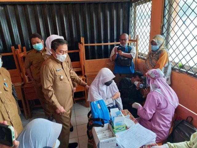 SMPN 14 Kota Serang Lakukan Vaksinasi