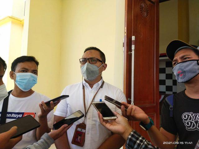 Kadis BAPENDA Hadir dalam Rapat Paripurna membahas tentang Pandangan Umum Fraksi-Fraksi DPRD Atas Raperda Usulan Wali Kota Serang.