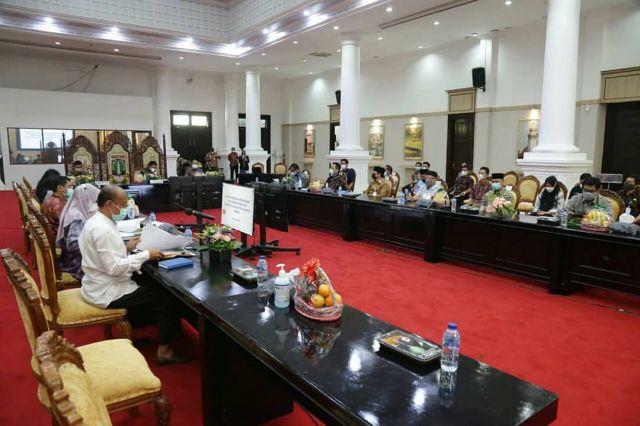 Gubernur Banten Wahidin Halim dorong percepatan Rekonsiliasi Aset Daerah Pemekaran Kabupaten dan Kota Serang.