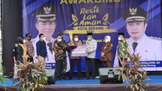 Griya Baladika Asri menjadi juara umum Kampung Resik Lan Aman 2021.