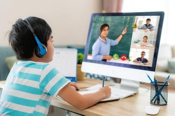 Tips Menjaga Kesehatan Mata pada Anak Selama Pembelajaran Daring